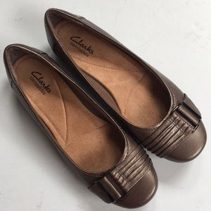 Like new Clarks leather shoes